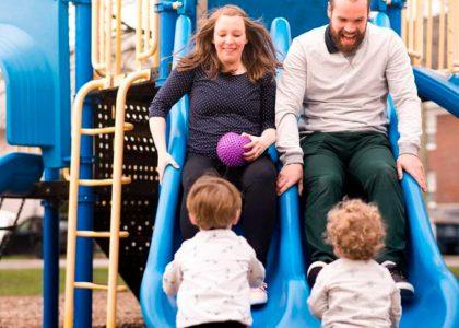 Esto es lo que ocurre en el cerebro cuando padres e hijos juegan juntos